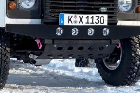 Zerlegbarer LM-Unterfahrschutz, mattschwarz – Defender