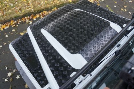 Motorhauben-Schutzblech