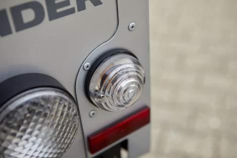 Rauchglas-Blinker, Satz – Defender