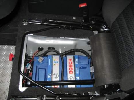 Doppelbatteriesystem, manuell – Defender