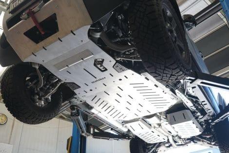 Unterfahrschutz-System mit integrierter Seilwinde 4.300 kg - New Defender