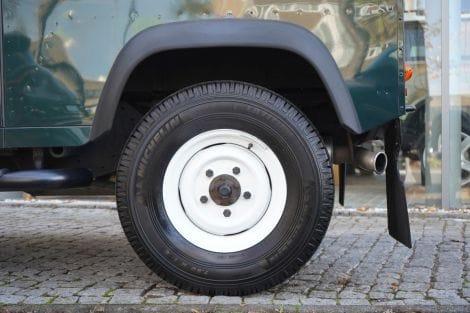 Land Rover Defender 90 TD4 Station Wagon E