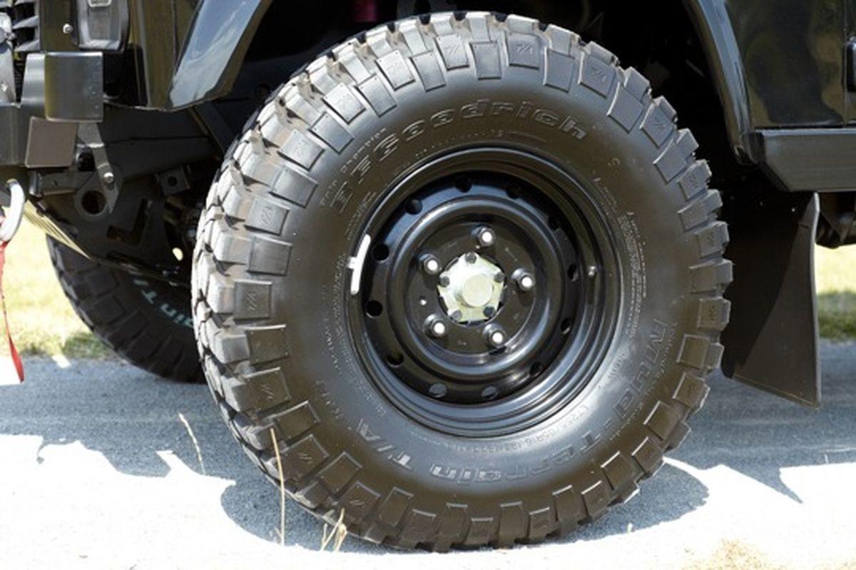 Radsatz 255/85R16 auf 6,5-Zoll-Stahlfelge – Defender