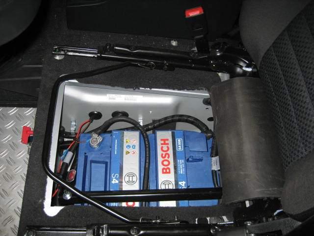 Doppelbatteriesystem, automatisch – Defender