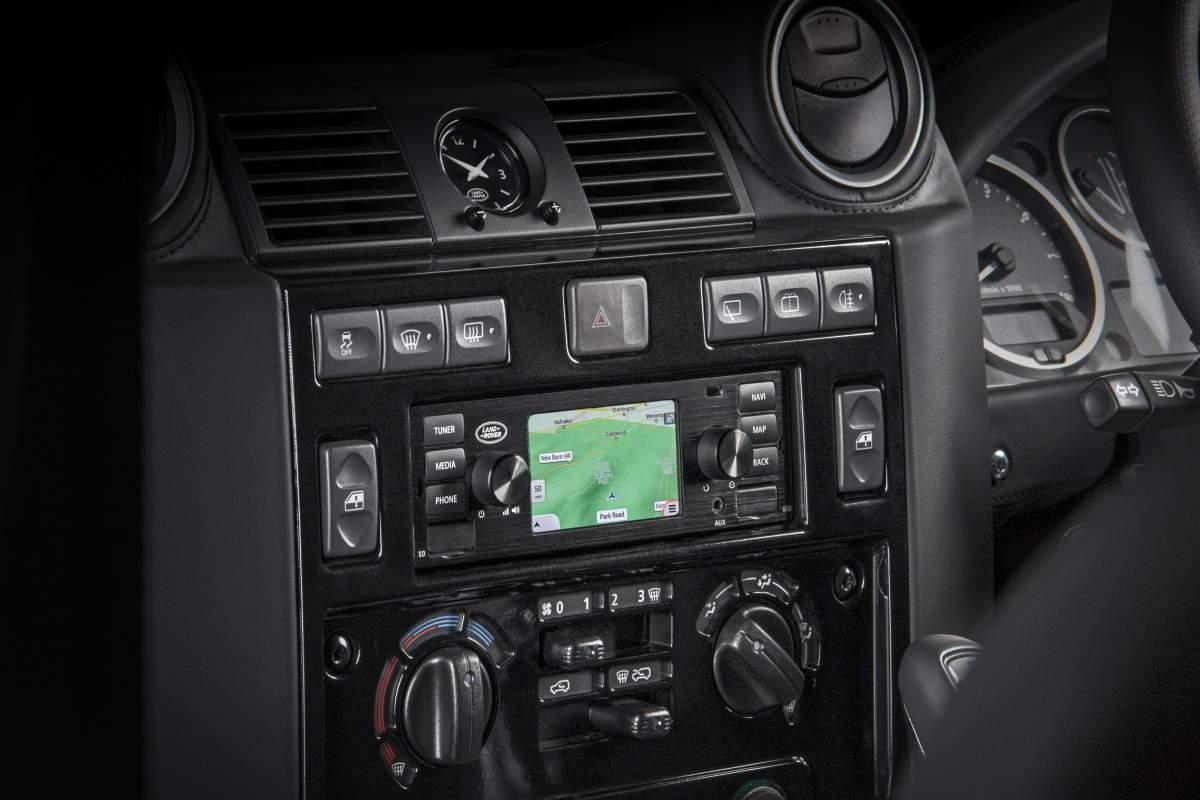 Classic-Navigationssystem, Black – Defender