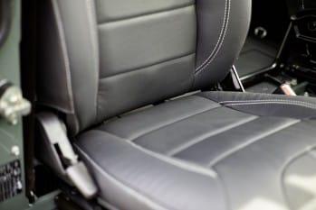 Premium-Sitze, Vinyl – Defender