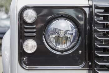 LED-Hauptscheinwerfer mit Tagfahrlicht – Defender