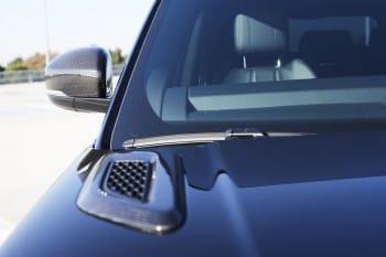 Carbon-Lufteinlässe auf Motorhaube – Range Rover Sport