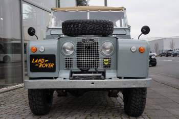 Land Rover 88 Series IIa Soft Top