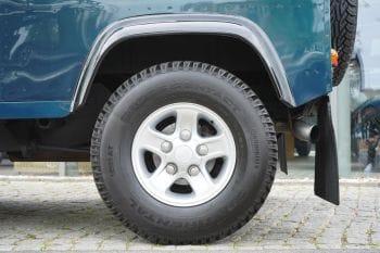 Land Rover Defender 90 50th Anniversary V8